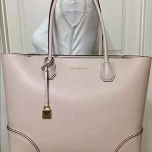 Lg Michael Kors purse Mercer gallery champagne